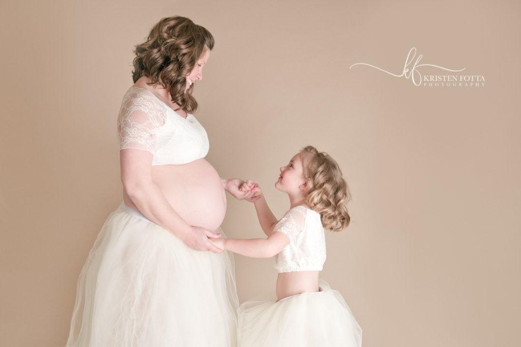 akron maternity photographer studio session