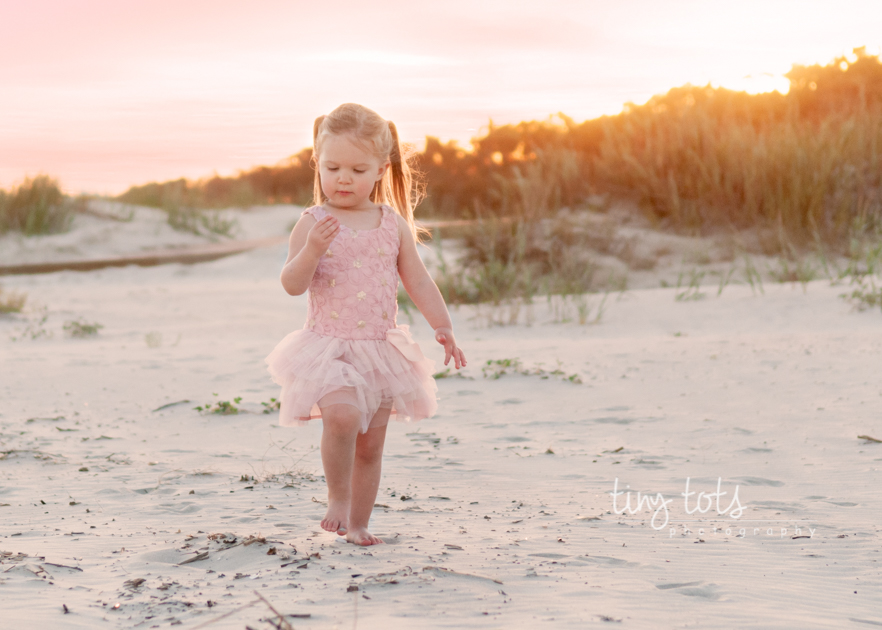 toddler girl beach pictures