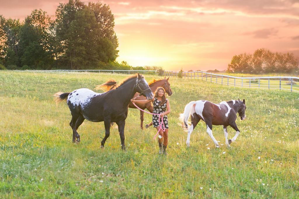 Sennior pictures with horses